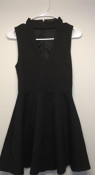 Lulu's Dresses & Skirts - Lulus dress
